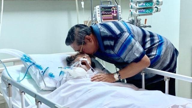 Susilo Bambang Yudhoyono bersama ibundanya, Siti Habibah
