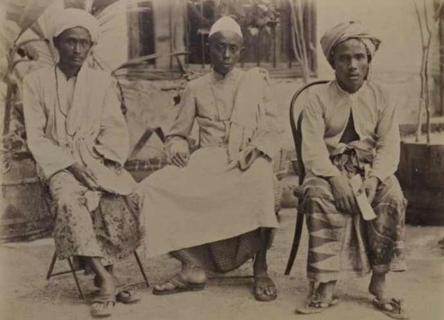 Lipsus, Menggapai Makkah di Zaman Perang, Haji dari Malang dan pasuruan