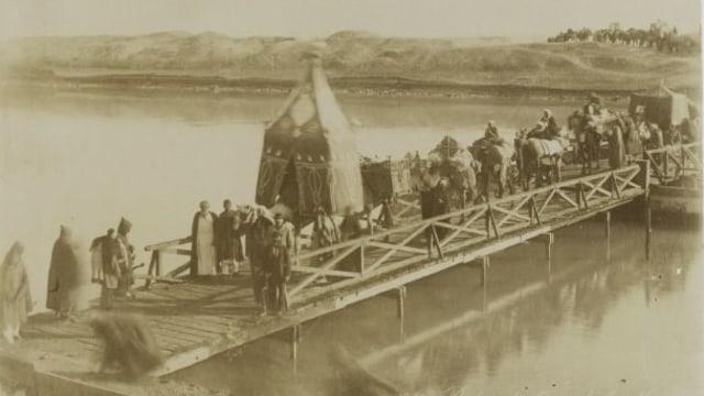 Lipsus, Menggapai Makkah di Zaman Perang, Jemaah haji menyeberang terusan suez 1902