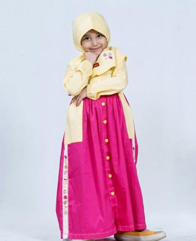 7 Potret Aminah Assegaf, Adik Alwi Assegaf yang Gemesin (348886)