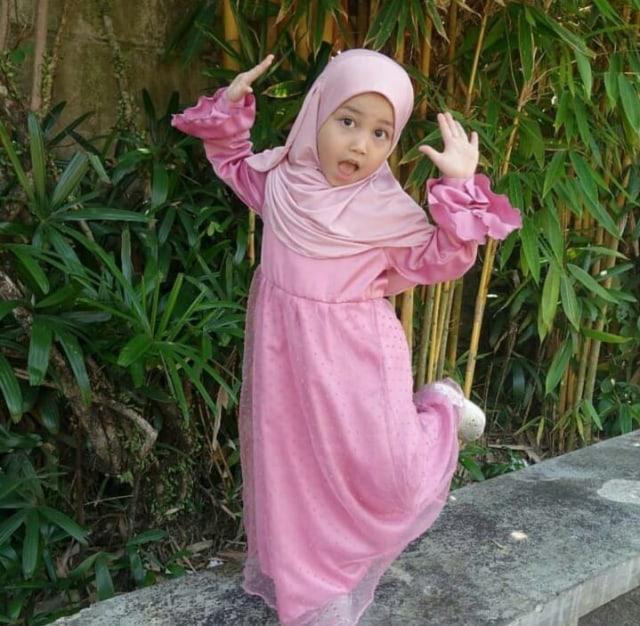 7 Potret Aminah Assegaf, Adik Alwi Assegaf yang Gemesin (348888)