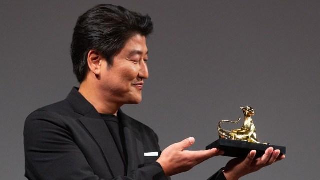 Song Kang Ho Dapat Penghargaan Di Locarno International Film Festival Kumparan Com
