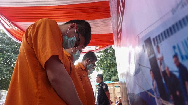Foto: Polisi Gagalkan Penyelundupan Jutaan Kosmetik Ilegal Asal China (1147320)