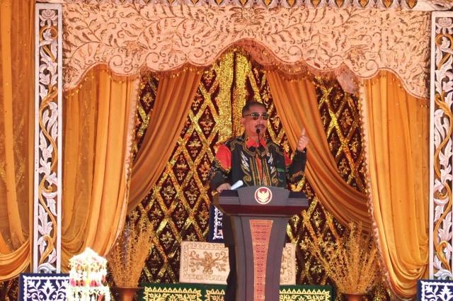 Hadiri Peringatan HUT Kalsel, Menteri Arief Tegaskan Dukungan Kemenpar (15505)