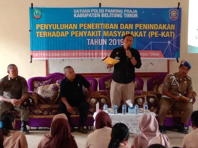 Kasie Penyuluhan Taufik saat memberikan soosisliasis ke sekolah.jpeg