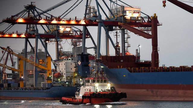 Neraca Perdagangan Diprediksi Surplus Lagi Akibat Kenaikan Harga Komoditas  (68057)