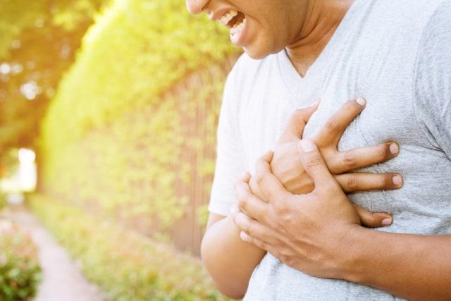 com-Ilustrasi terkena serangan jantung.