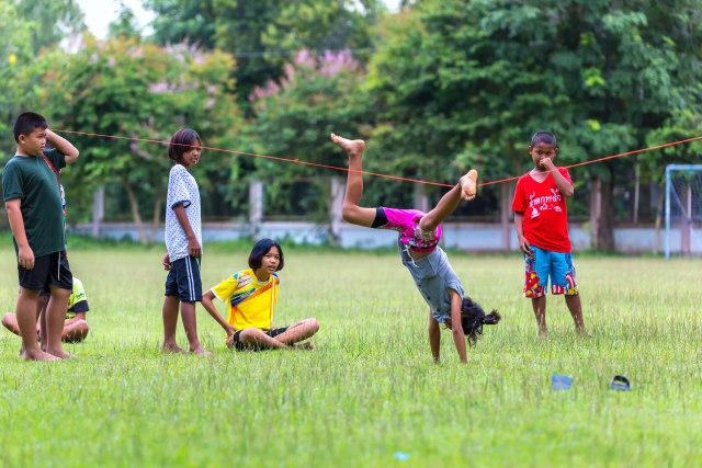 6 Manfaat Yang Didapat Anak Dari Bermain Lompat Tali Kumparan Com