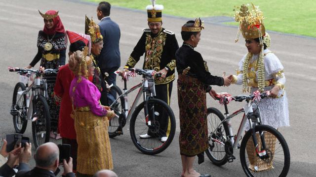 Perayaan HUT ke-74 Kemerdekaan RI di Istana Merdeka, jokowi, Nora Tristyana