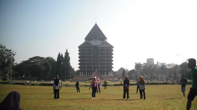 7 Jajanan Kaki Lima di Sekitar Universitas Indonesia yang Wajib Dicoba (322820)