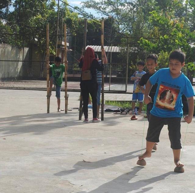 Belajar Sambil Bermain Bersama Kampoeng Hompimpa Pontianak  (278383)
