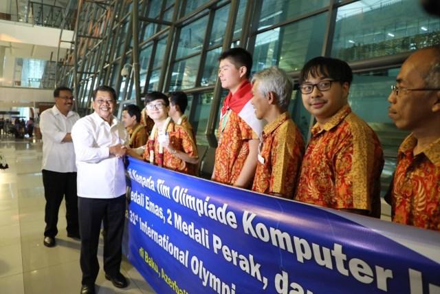 Tim Olimpiade Komputer Indonesia Raih Medali di Azerbaijan