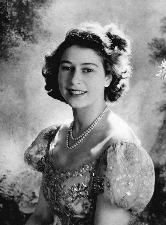 Potret Lawas Royal Family, dari Ratu Elizabeth hingga Meghan Markle (2972)
