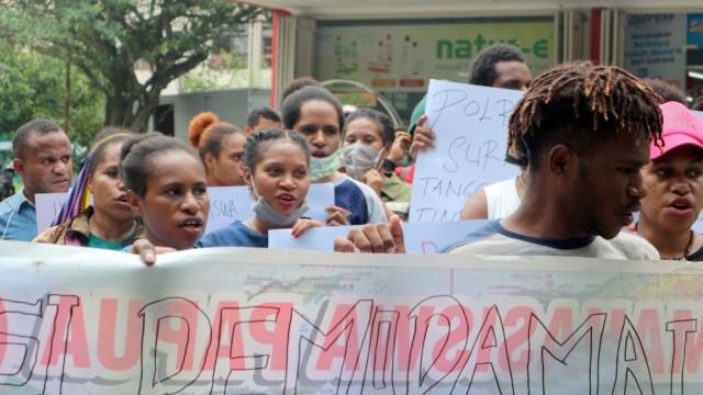 Mahasiwa Papua di Medan saat melakukan unjuk rasa di Medan
