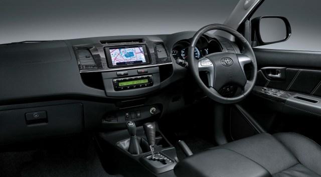 Interior Toyota Fortuner tahun 2015