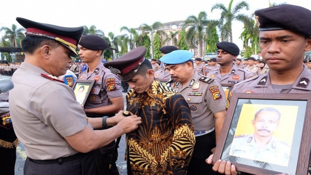 Polda Riau Pecat 6 Polisi Terlibat Narkoba dan Desersi dari Tugas  (1026139)