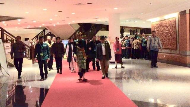 Tiba di Muktamar PKB, Jokowi dan Megawati Diteriaki 'Papua Damai' (713875)