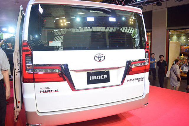 Toyota Hiace Varian Termewah Meluncur, Lebih Murah dari Alphard (119391)