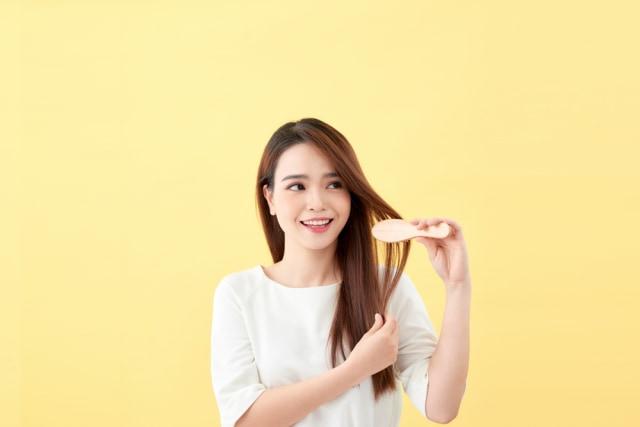 6 Bahan Alami yang Bisa Membantu Meluruskan Rambut (428712)