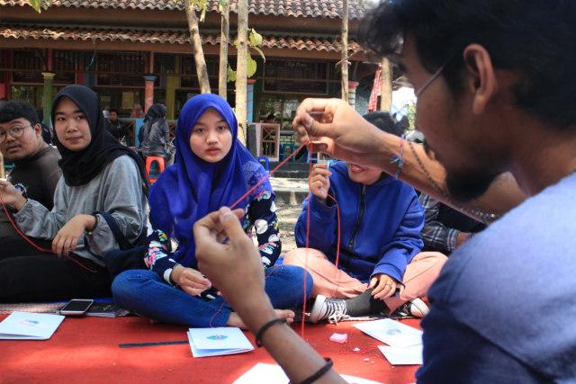 Book Binding, Buku Saku Jahitan Karya Mahasiswa Pecinta Seni UM (49957)