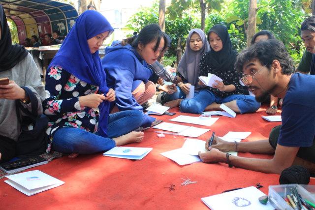 Book Binding, Buku Saku Jahitan Karya Mahasiswa Pecinta Seni UM (49958)