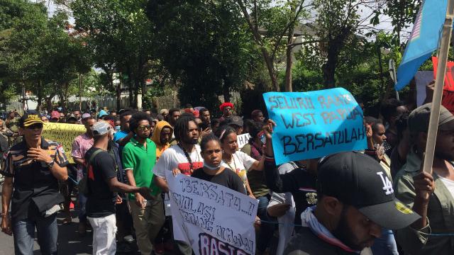 suasana demo, mahasiswa Papua Bali Unjuk Rasa
