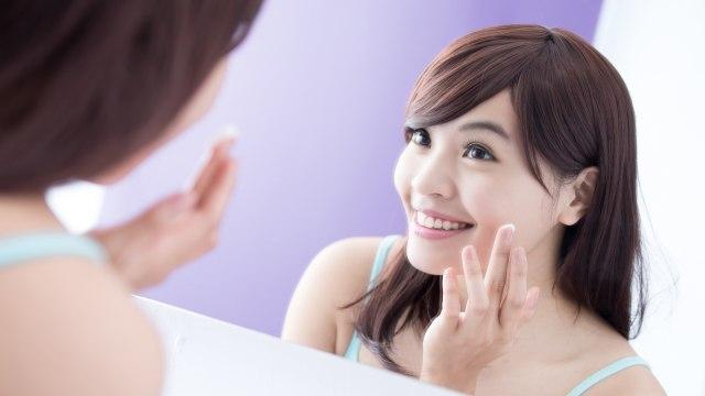 5 Cara Merawat Wajah di Usia 30-an, Agar Tetap Sehat & Awet Muda (35916)