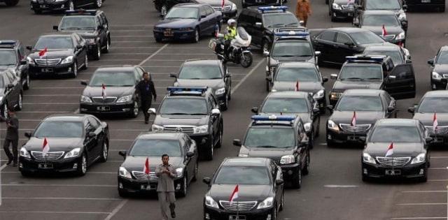 Mobil dinas Menteri