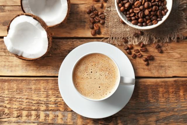 Ilustrasi kopi susu dari santan