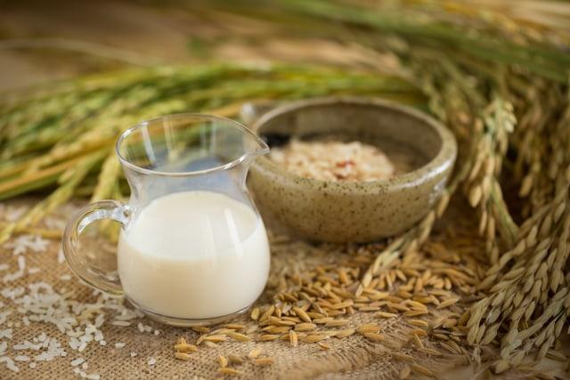 Yuk, Ketahui Perbedaan 6 Jenis Susu Ini dan Varian Terbaik untuk Dietmu (423397)