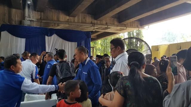 Zulkifli Hasan dan Amien Rais di acara milad ke-21 PAN di kolong Tol Pluit