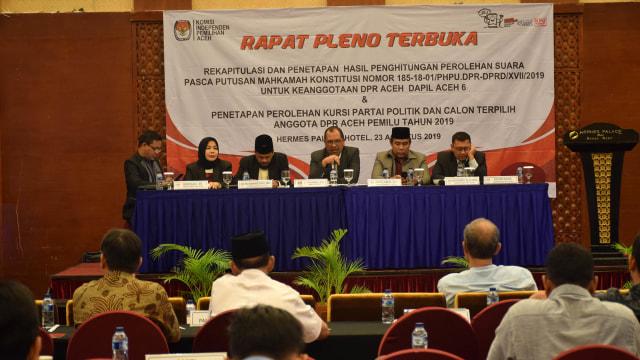 Pleno Hasil DPRA_Acehkini1.jpg
