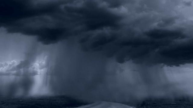 BNPB Minta 30 Gubernur Waspadai Cuaca Ekstrem Akibat Bibit Siklon Tropis 94W (162951)