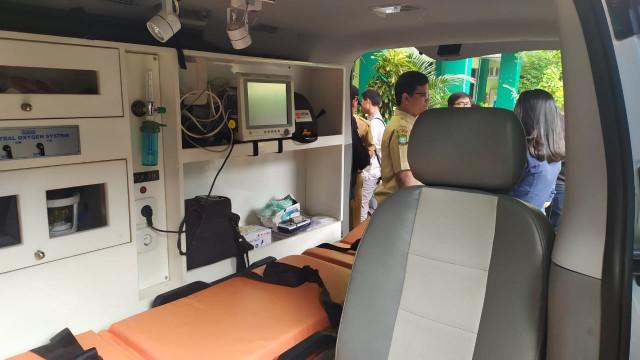 Kadinkes Tangerang Bongkar Isi Ambulans yang Tak Bisa Antar Jenazah (94862)