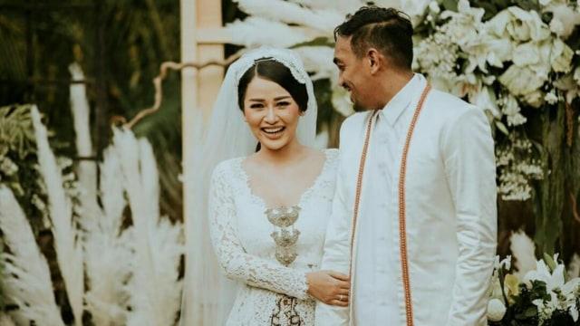 Ini 5 Momen Pernikahan Glenn Fredly dan Mutia Ayu (125151)