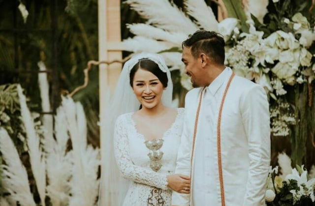 Ini 5 Momen Pernikahan Glenn Fredly dan Mutia Ayu (125152)