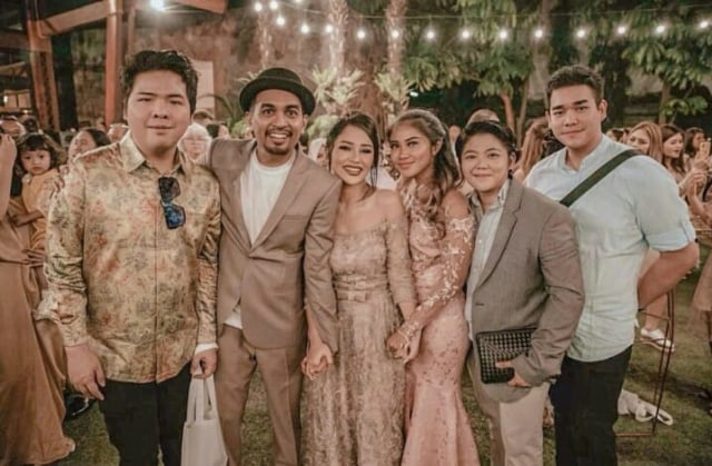 Ini 5 Momen Pernikahan Glenn Fredly dan Mutia Ayu (125156)