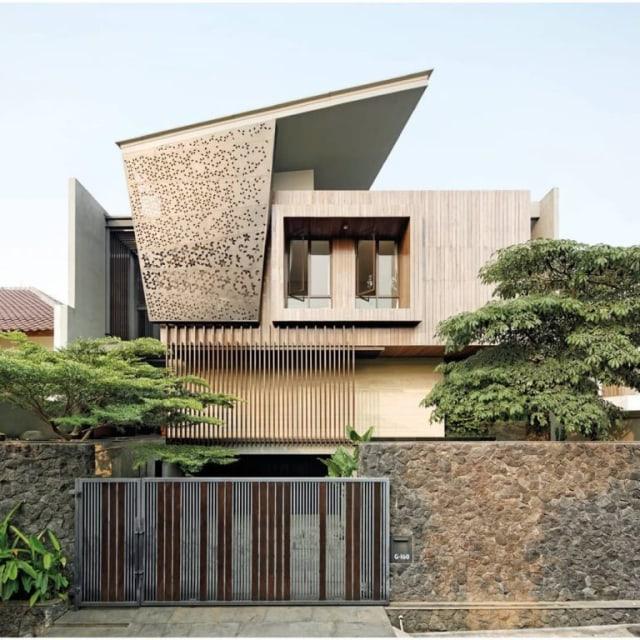 Kombinasi Warna Cat Pagar Besi  keamanan rumah terjaga dengan 6 desain pintu pagar ini