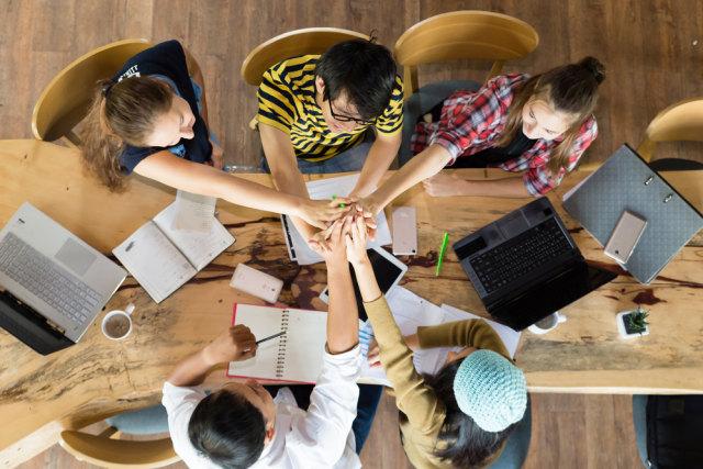 4 Cara Menghadapi Teman yang Malas Kerja Kelompok (55088)