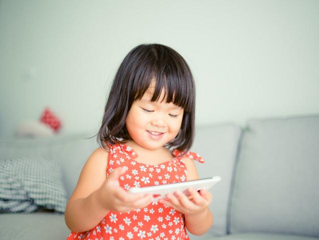 7 Dampak Buruk Kecanduan Gadget pada Tumbuh Kembang Anak (461376)