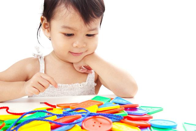 com-Ilustrasi anak sedang bermain.