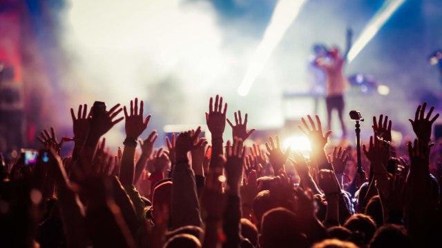 Viral Konser Musik di Pasar Minggu Abaikan Protokol Kesehatan (80627)