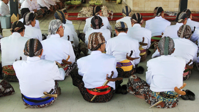 60 Orang Daftar Abdi Dalem Keraton Yogyakarta, Paling Muda Mahasiswa Semester 1 (113786)