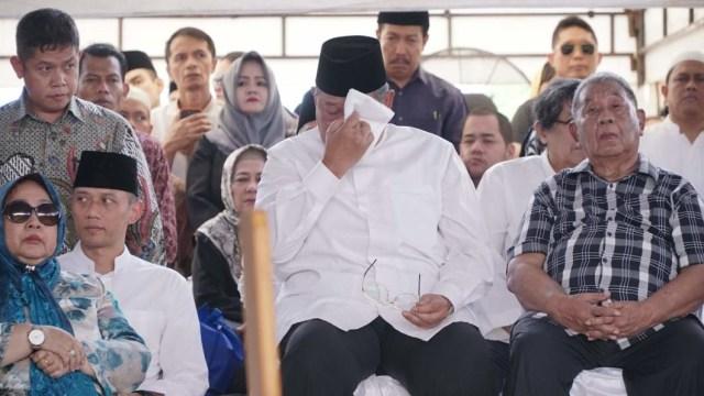 Salam Perpisahan SBY kepada Sang Ibunda (304487)