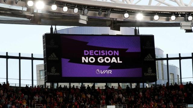 Madrid vs Barcelona: Koeman Misuh-misuh Blaugrana Gagal Dapat Penalti (102225)