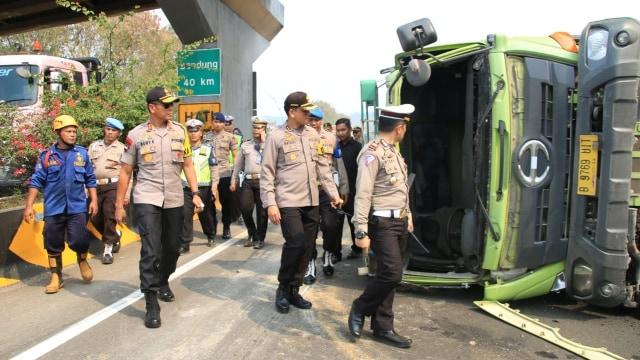Kecelakaan Maut di Tol Cipularang Diduga karena Truk Terguling (749889)