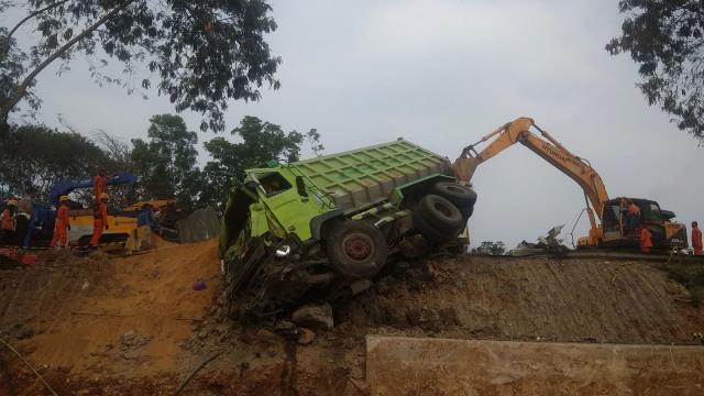 Tersangka Kecelakaan Tol Cipularang Terancam 6 Tahun Penjara (741262)