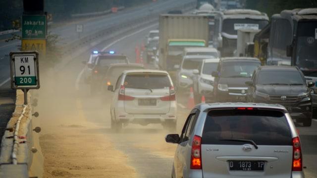 Foto: Olah TKP Kecelakaan Maut Tol Cipularang KM 91 (31698)