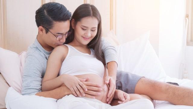 ibu hamil dan suami