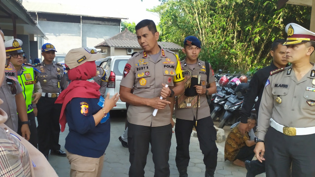 4 Korban Tewas Kecelakaan Cipularang Dibawa ke RS Polri Kramat Jati (84287)